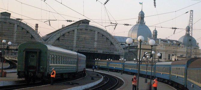 A Gördülő hoteltől a gördülő kollégiumig: Kocsi-osztályok az egykori Szovjetunió éjszakai vonatain.