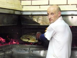 Ő készíti Szarajevó egyik legjobb burekjét.