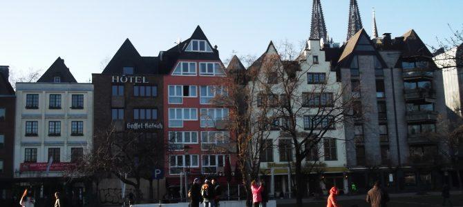 Köln: Messziről régi, közelről új