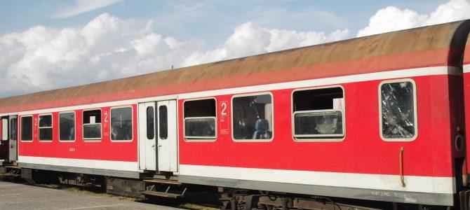 Vonattal Albániában